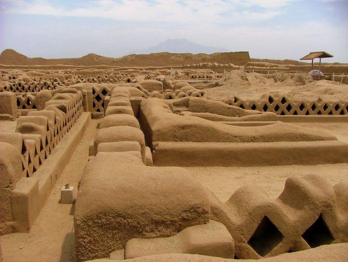 vestiges de Chan chan, un autre incontournable au Pérou