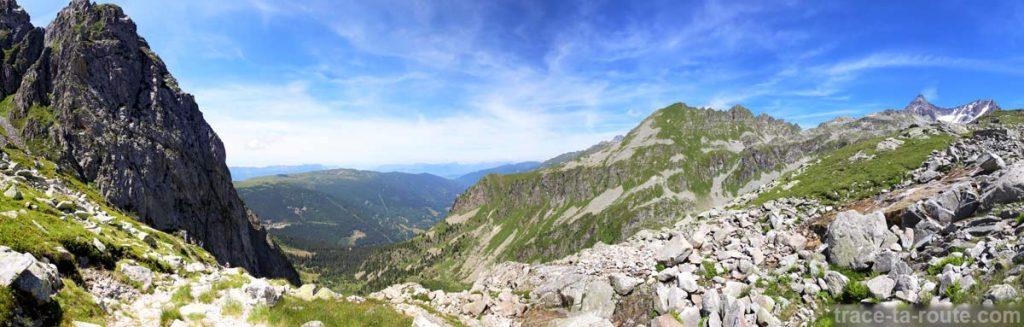 Les Pointes du Mouchillon depuis le sentier de randonnée des Lacs des 7 Laux (Belledonne)