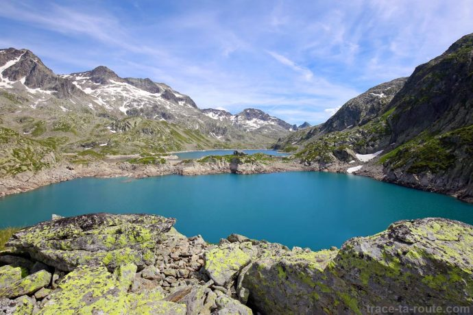 Le Lac Carré, le Refuge des Sept Laux et le Rocher Blanc - Lacs des 7 Laux Belledonne - édouard photographie © Trace Ta Route