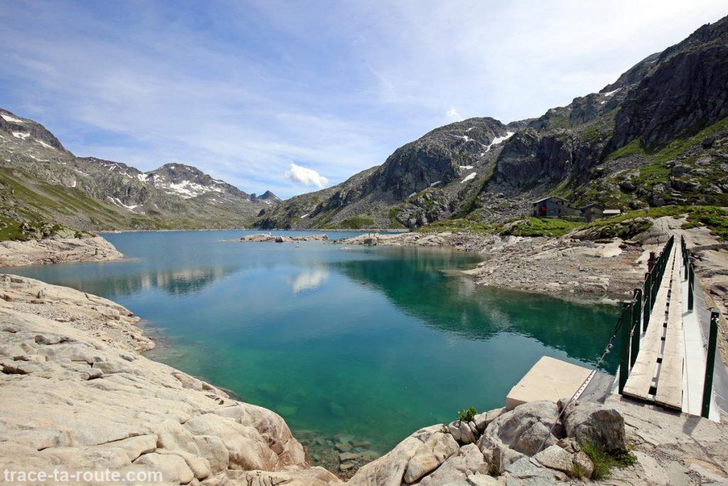 Le Lac Cottepens et le Refuge des Sept Laux - Lacs des 7 Laux Belledonne