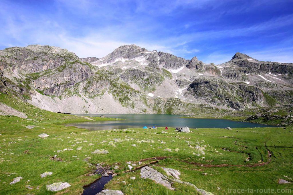 Le Lac de la Corne, le Pic des Eustaches et le Pic Bunard - Lacs des 7 Laux Belledonne