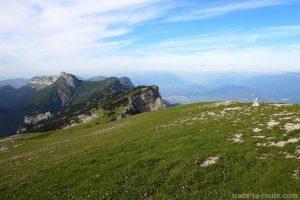 Sur le plateau de la Dent de Crolles : Les Lances de Malissard et le Mont Blanc