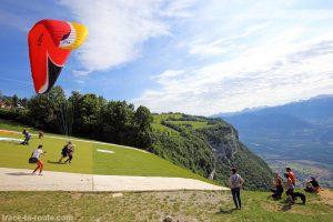 Départ de parapente à Saint-Hilaire-du-Touvet