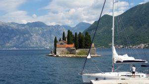 Sur l ile au large de Perast - Montenegro
