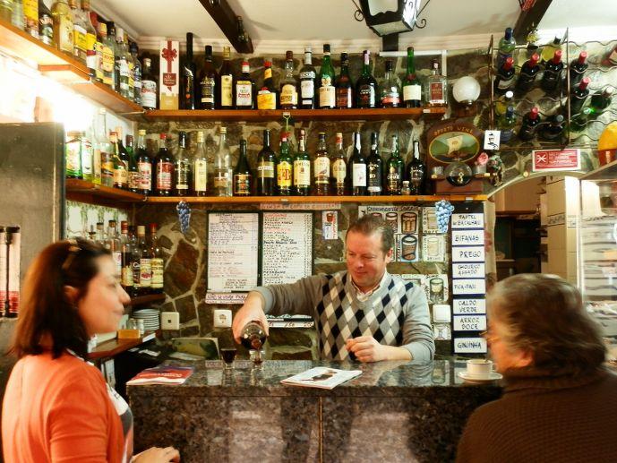 visiter lisbonne : ginginha rua sai pedro à lisbonne