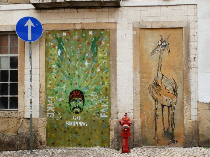 Et y'a du street art un peu partout dans le Bairoo Alto Lisbonne Portugal Lisbon Lisboa