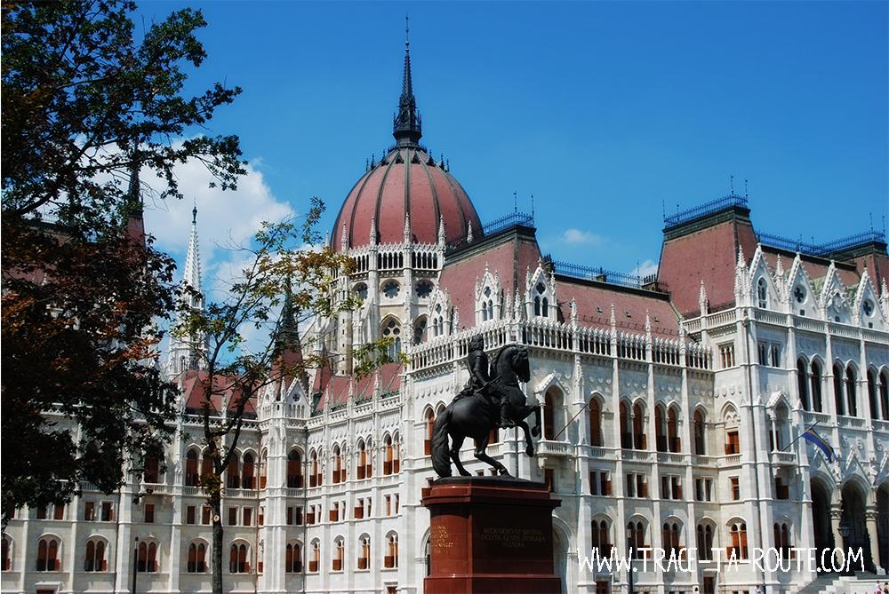 Parlement de Budapest - Blog Voyage Trace Ta Route
