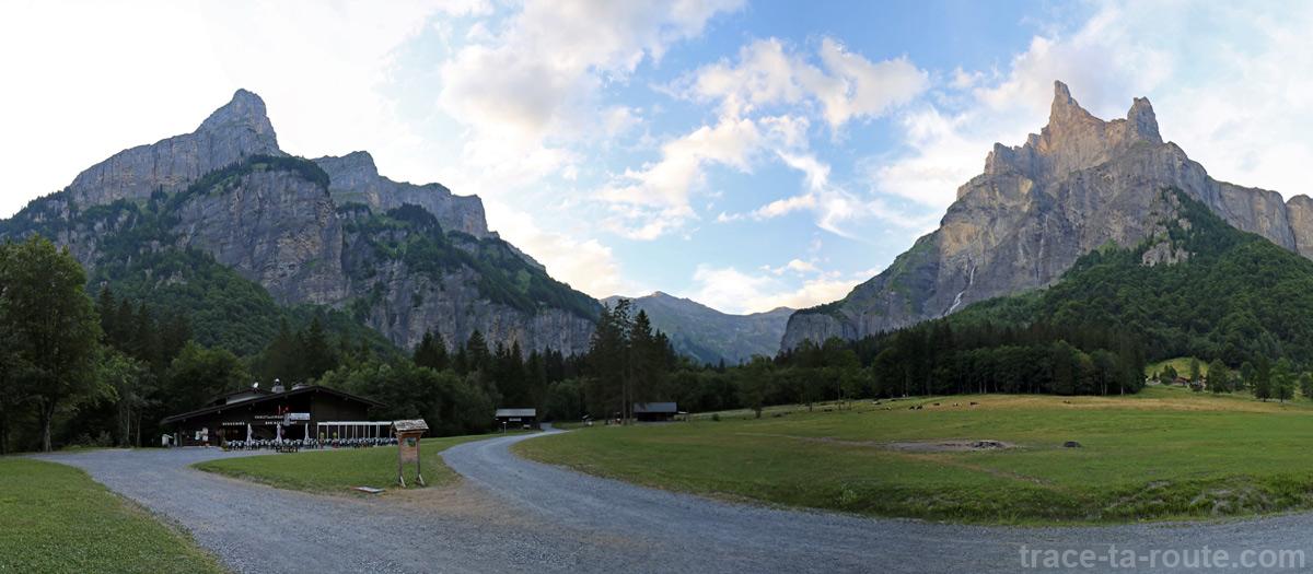 Le Pic de Tenneverge et la Pointe de Sans Bet depuis le Cirque de Fer-à-Cheval