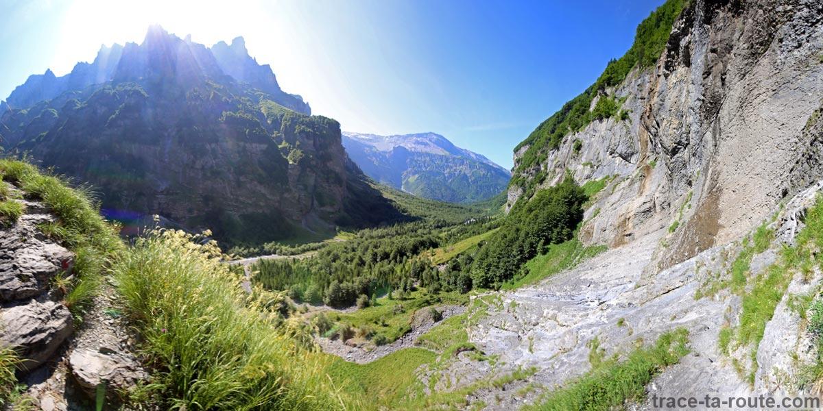 Le Pic de Tenneverge et le Cirque du Fer-à-Cheval depuis le Pas du Boret