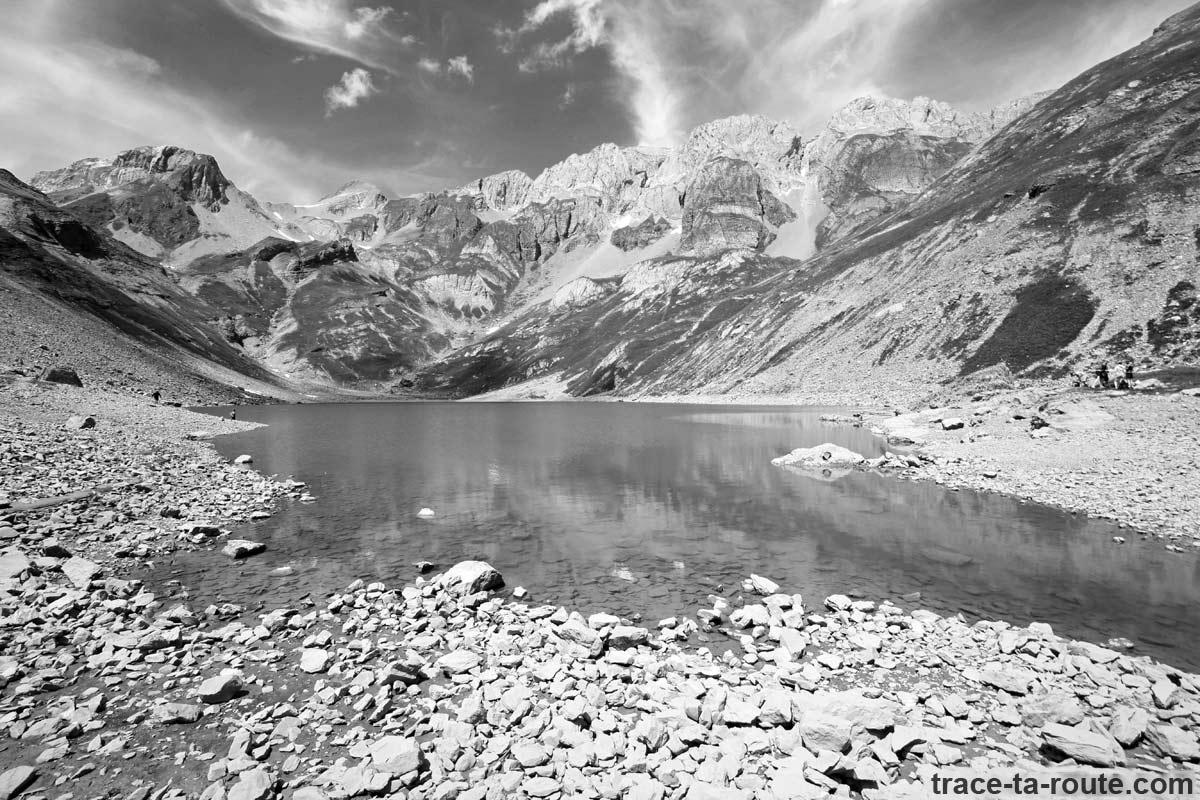Le Lac de la Vogealle et les Dents Blanches - édouard photographie © Trace Ta Route