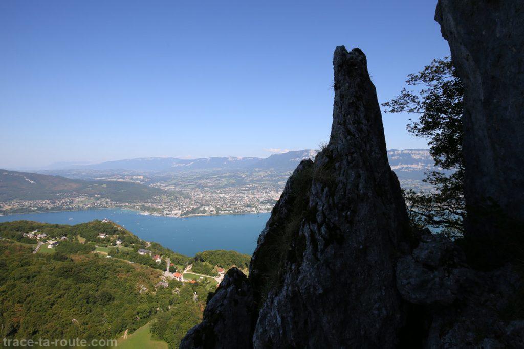 Vue depuis la via ferrata Dent du Chat Roc du Cornillon - parcours Primevère à Oreille d'Ours
