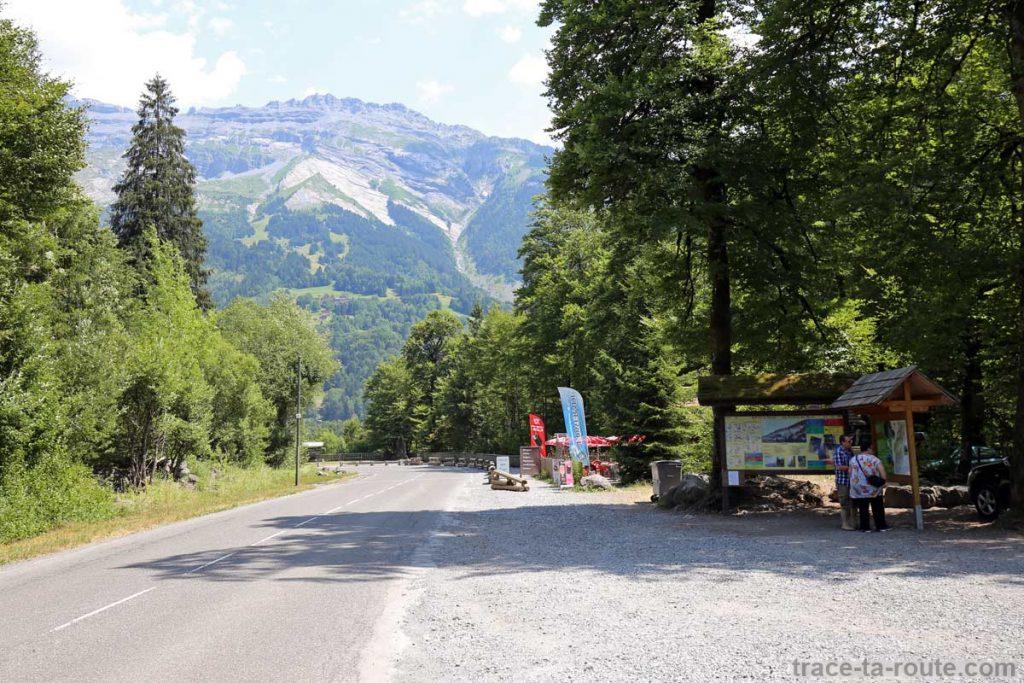 Parking Gorges des Fines - départ Via ferrata du Mont de Sixt-Fer-à-Cheval