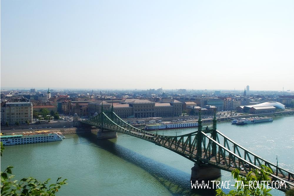 Vue de la colline de Buda - Blog Voyage Trace Ta Route