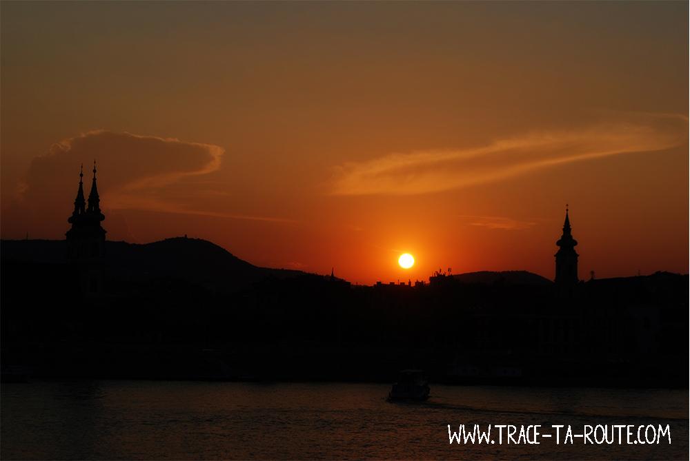 Coucher de soleil sur le Danube à Budapest