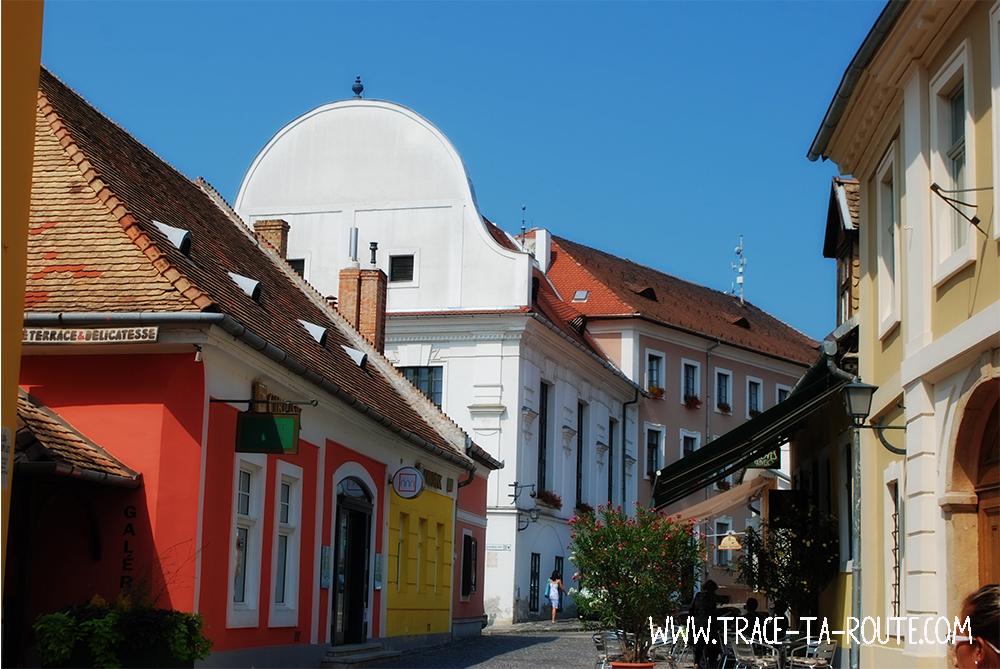 Ruelles colorées à Szentendre à Budapest