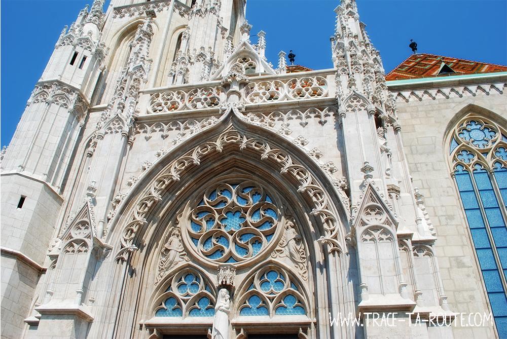 Rosace sur St Mathias à Buda - Blog Voyage Trace Ta Route