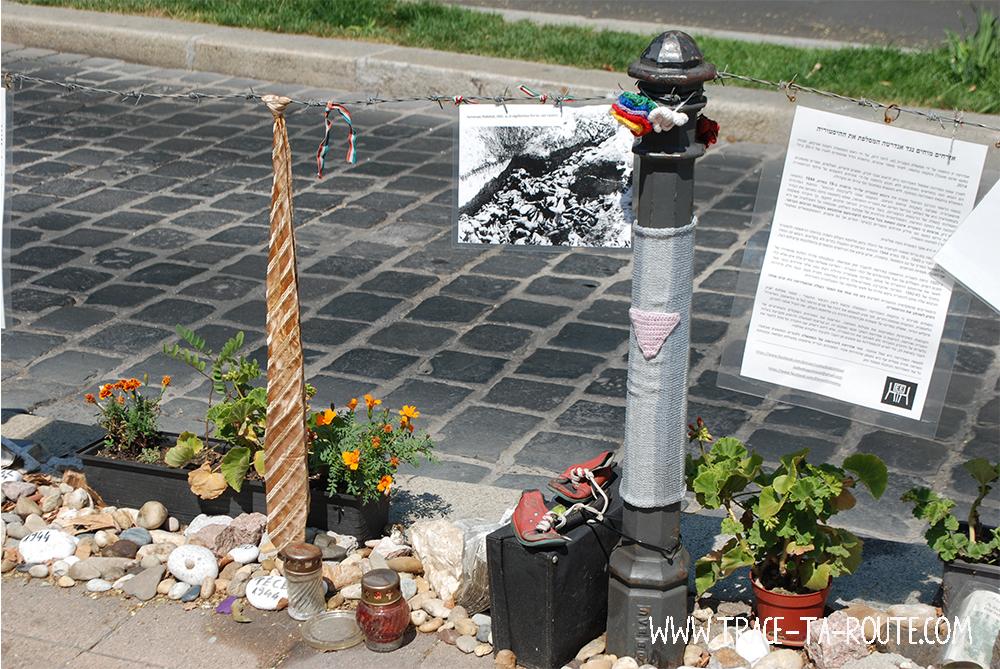 Szabadsag Ter Monument à Budapest - Blog Voyage Trace Ta Route