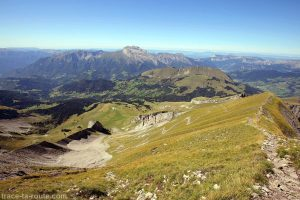 La Tournette depuis l'arête au sommet du Mont Charvin