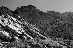 Strates géologiques, arête du Pas de l'Ours du Mont Charvin