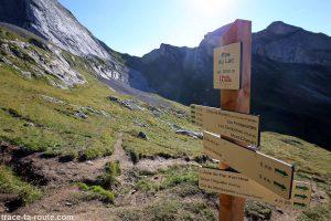 Le Pas du Lac du Mont Charvin et le Col des Porthets