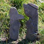 Sculpture de pierres dans la montée du Mont Charvin