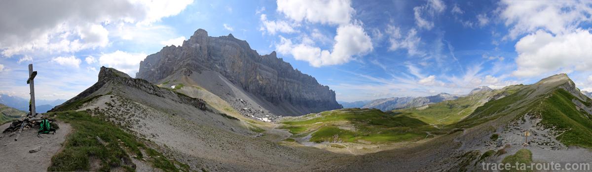 Les Rochers des Fiz avec la Pointe d'Anterne depuis le Col d'Anterne