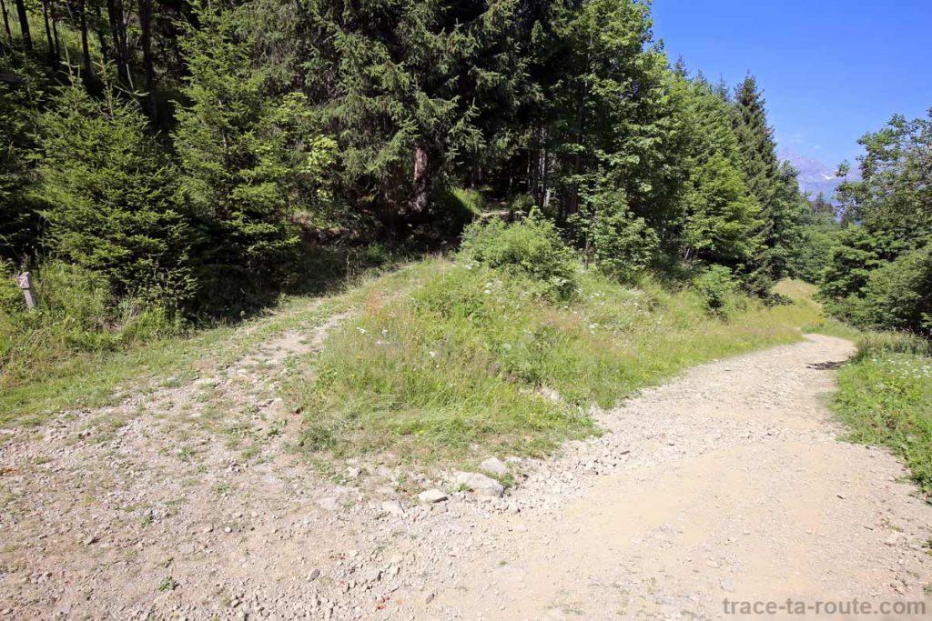 Sentier de randonnée au Lac de Gers