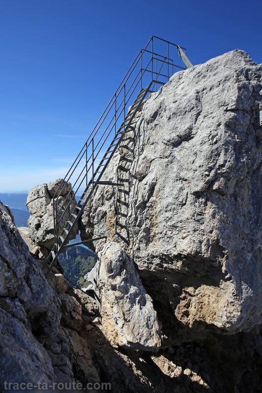 Passage avec échelle au sommet de La Tournette