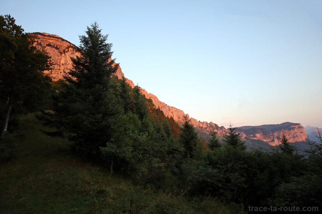 Coucher de soleil sur le Parmelan - Bois Brulé, Villaz