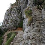 Passage escaliers barres Le Grand Montoir Parmelan randonnée