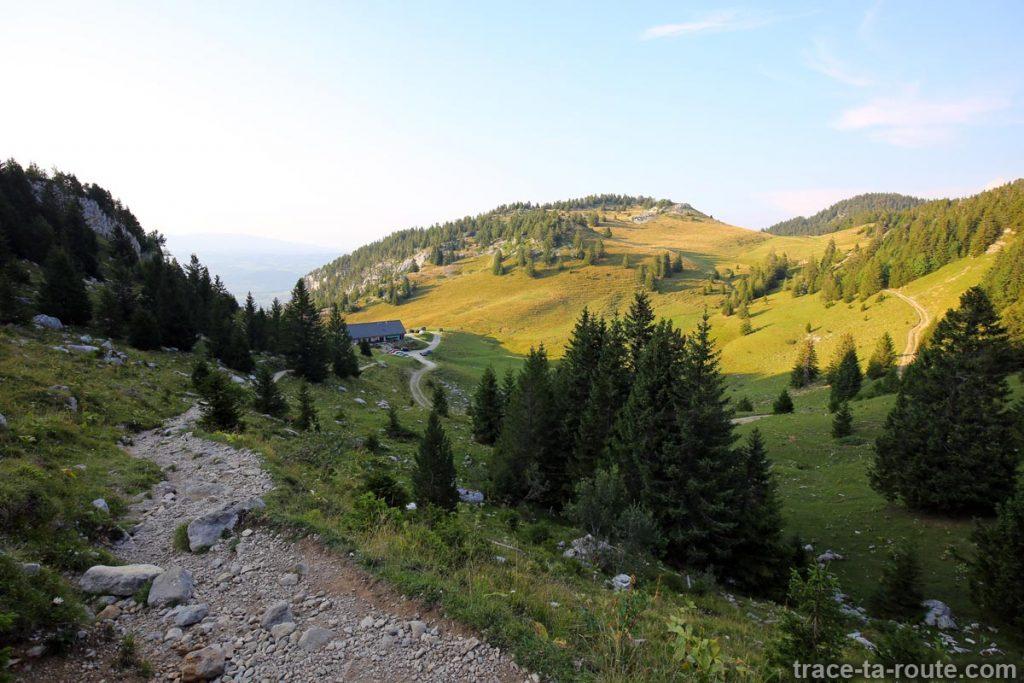 Sentier de randonnée au Parmelan depuis le Chalet de l'Anglettaz - Aviernoz