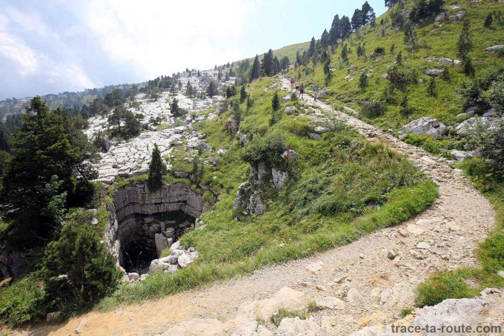 Sentier de randonnée au sommet du Parmelan