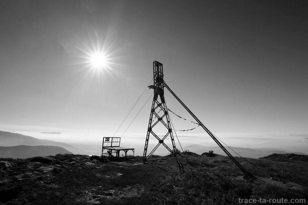 Sommet du Parmelan - Tour de la nacelle sur câbles pour le ravitaillement du Chalet Refuge Camille Dunant - édouard photographie © Trace Ta Route