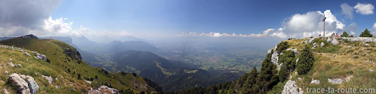 Vue panoramique depuis le sommet du Parmelan