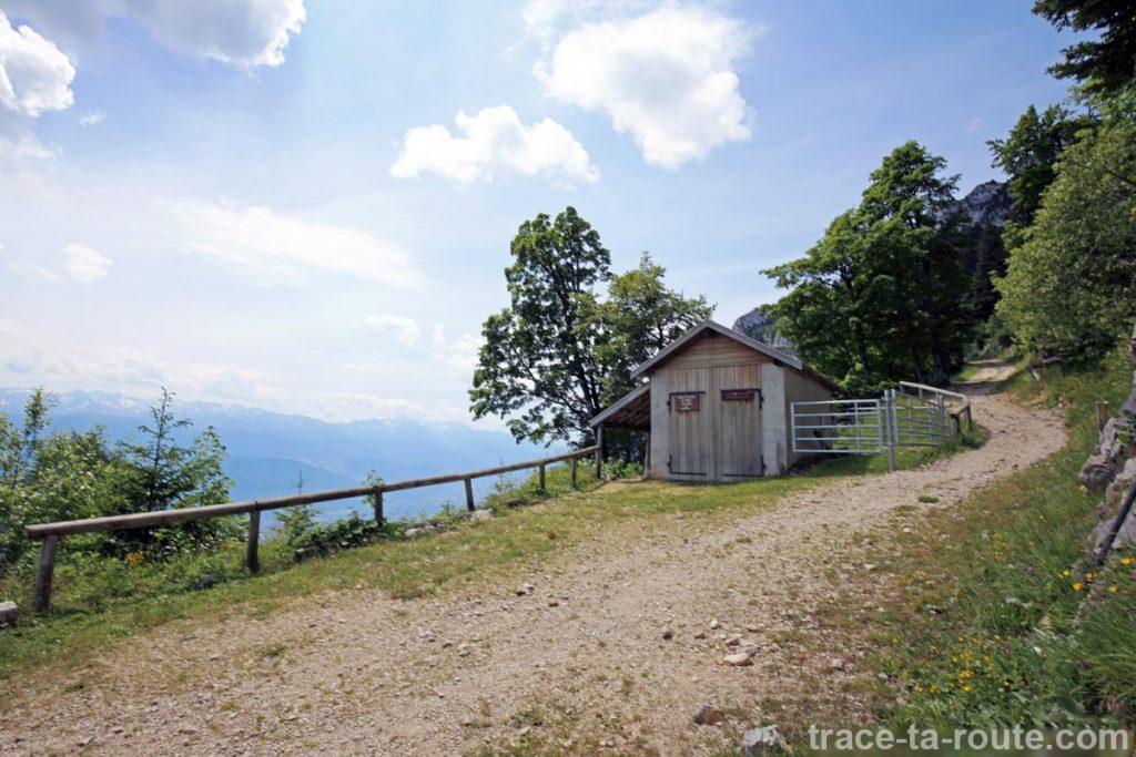 Cabane de l'Allier sous le Col de l'Alpe (Chartreuse)