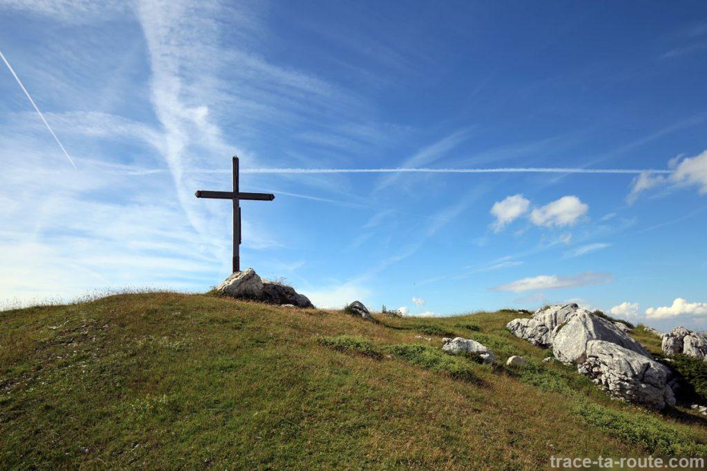 Croix au Sommet du Pinet, en Chartreuse