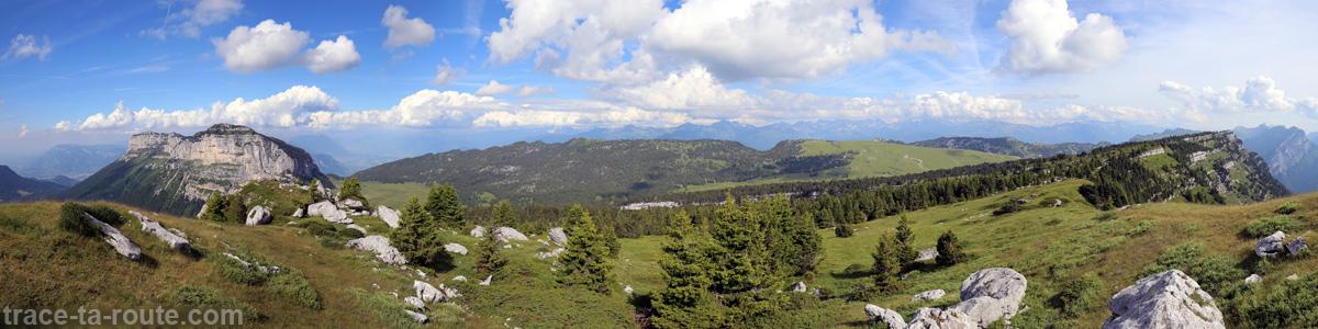 Le Mont Granier et la Combe des Arches depuis le Sommet du Pinet, en Chartreuse