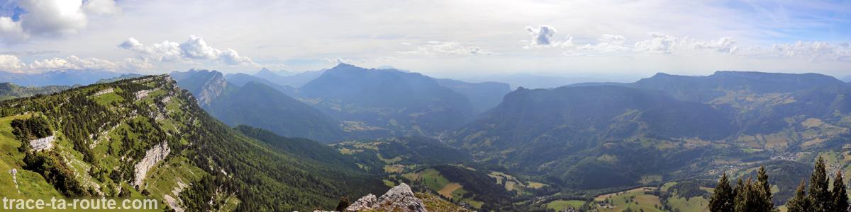 Le Nord du Massif de la Chartreuse (Grand Som, Saint-Pierre d'Entremont) vu depuis le Sommet du Pinet