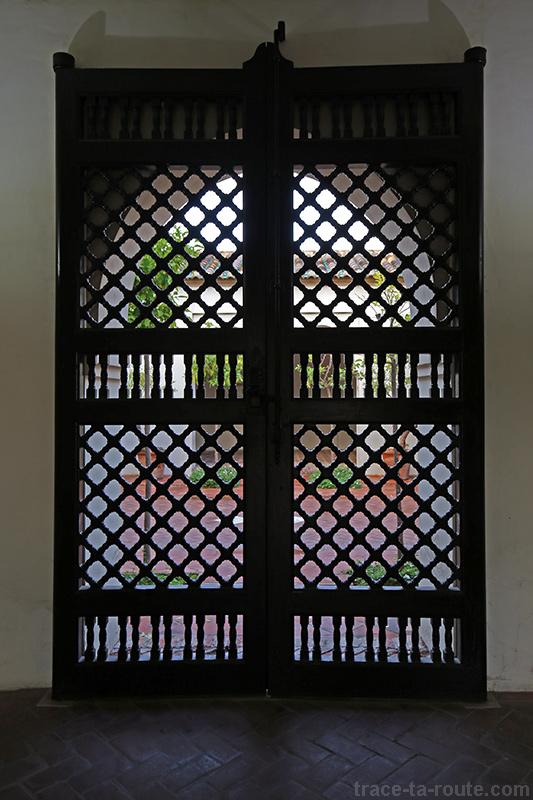 Porte du palais Alcazaba de Malaga