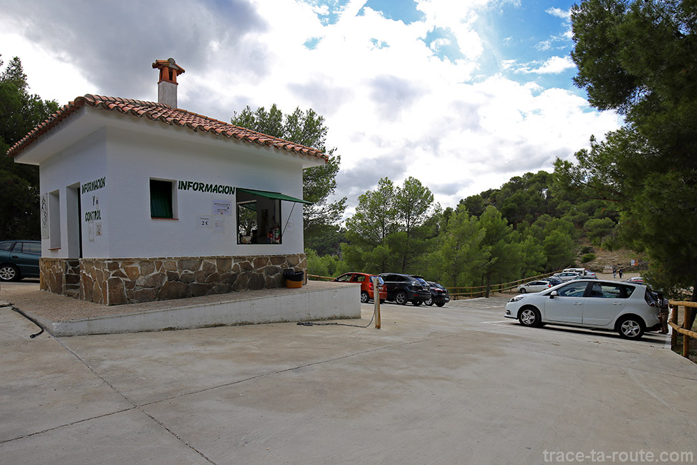 Parking accès pour le Caminito del Rey, vers le Restaurant El Mirador Ardales Andalousie Espagne Andalucia Espana Spain