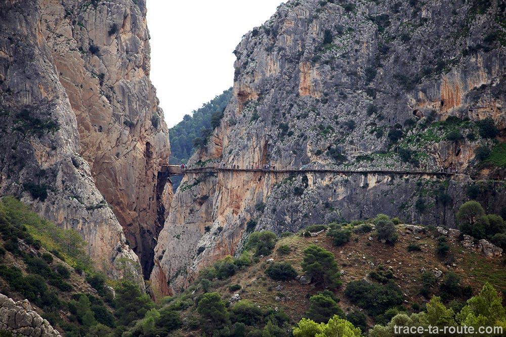 Chemin le long des falaises du Caminito del Rey - Ardales, Malaga, Andalousie, Espagne
