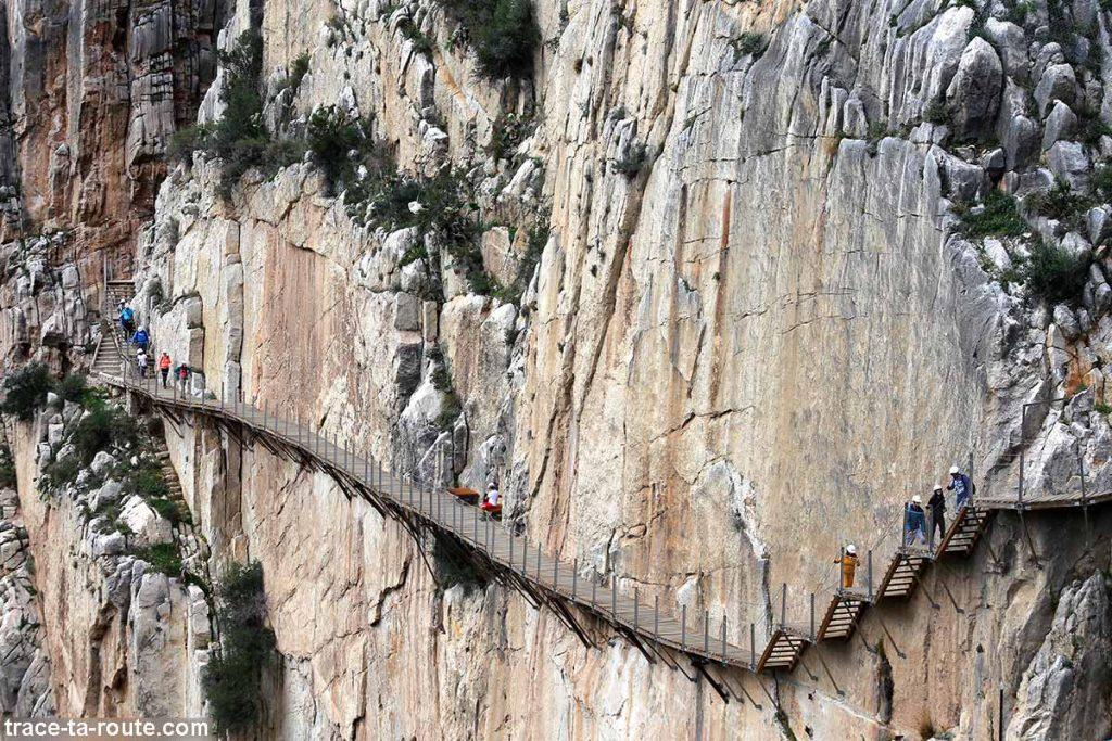 Parcours suspendu du Caminito del Rey à flan de falaise - El Chorro, Malaga, Andalousie, Espagne