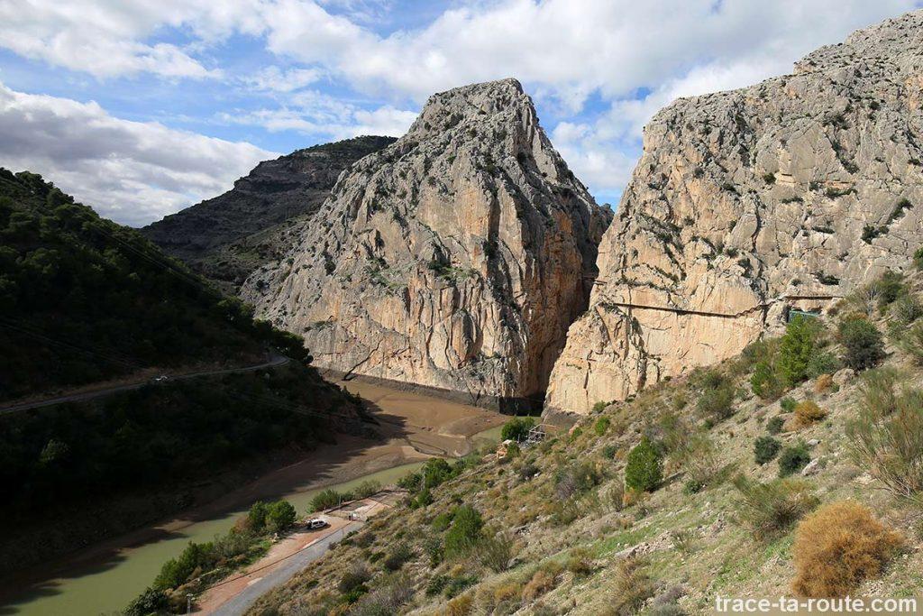 Falaises de la La Garganta del Chorro Passerelle et le Caminito del Rey - El Chorro, Malaga, Andalousie, Espagne