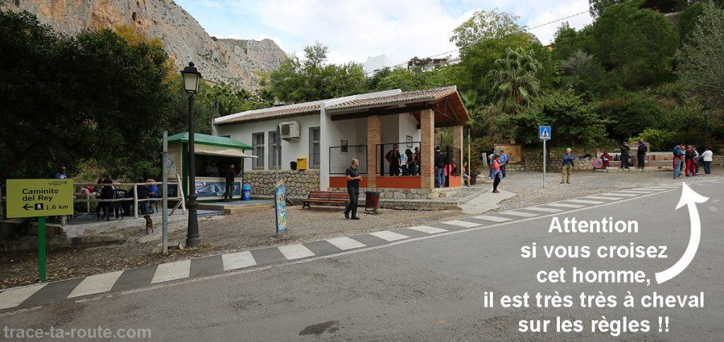 Arrivée sud - Parking du village d'El Chorro - Retour navette Caminito del Rey - Malaga, Andalousie, Espagne
