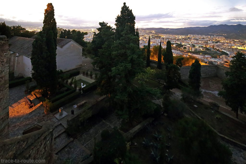 Visite du Castillo de Gibralfaro - jardin et vue sur Malaga