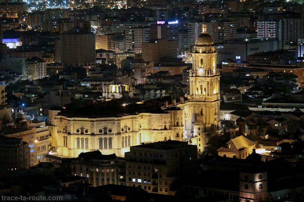 "La Cathédrale de l'Incarnation de Malaga (Catedral de la Encarnación ""La Manquita"") de nuit"