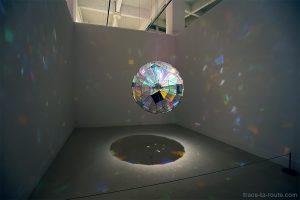 Colour Square Sphere (2007) Olafur ELIASSON - Collection permanente du Centre d'Art Contemporain CAC Malaga