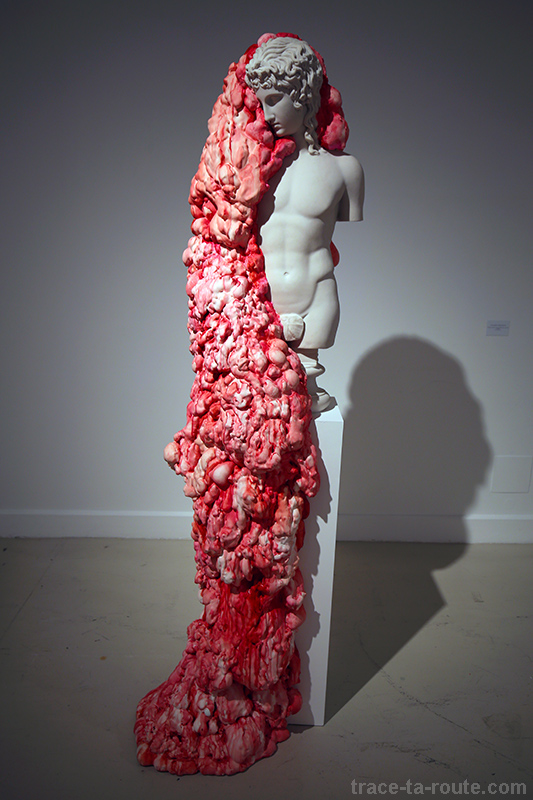 "Sculpture ""Eros Centollece o Spiritus vitae"" (2015) Marina VARGAS - Exposition ""Ni animal ni tampoco angel"" au Centre d'Art Contemporain CAC Malaga"