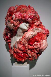 "Sculpture ""La Bacante"" (2015) Marina VARGAS - Exposition ""Ni animal ni tampoco angel"" au Centre d'Art Contemporain CAC Malaga"