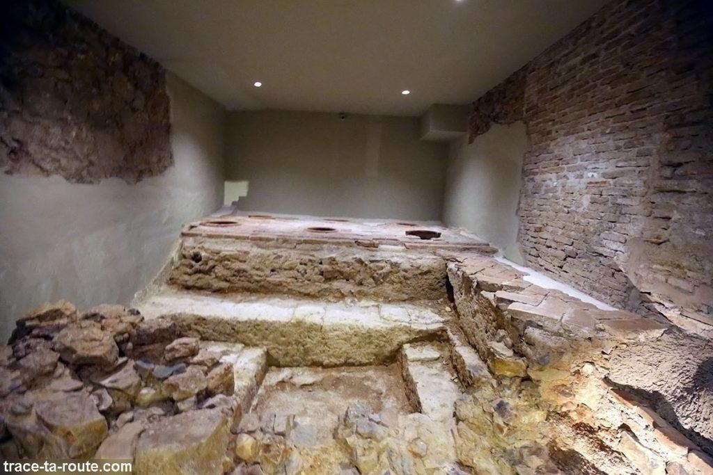 Salle sous-sol du Musée Picasso, Malaga - ruines antiques